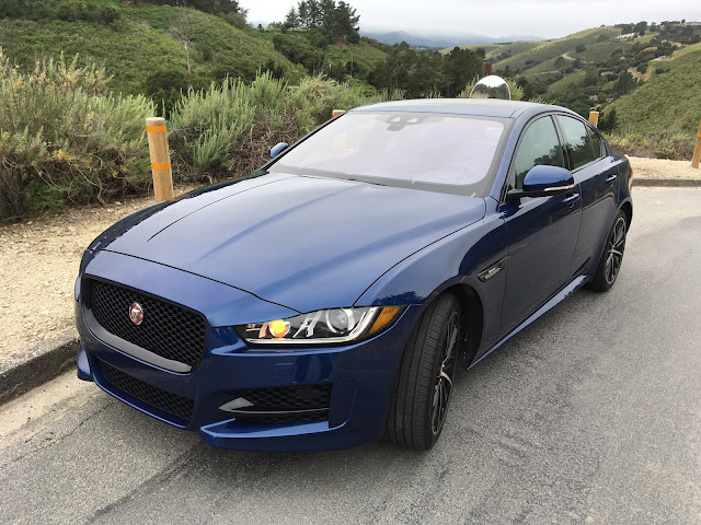 Front 3/4 view of the 2017 Jaguar XE 35t AWD