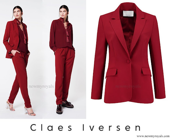 Queen Maxima wore Claes Iversen LaPerm Classic blazer, Korat Blouse, Lykoi trousers