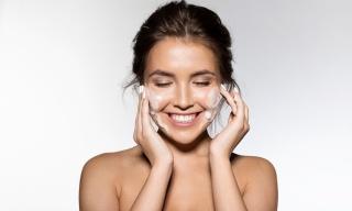 5 passos para remover a maquiagem corretamente