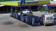 Motorista abastece ambulância de cidade maranhense em Peritoró e vaza sem pagar a conta.