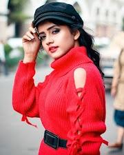 Nisha Guragain (TikTok Star) Viral Video Wiki, Age, Birthday, Boyfriend & More