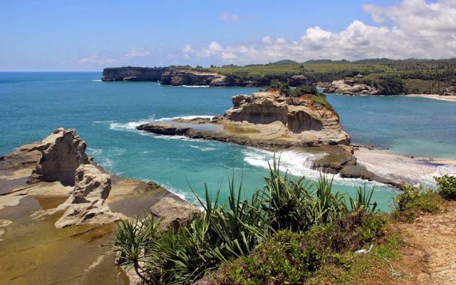 Pantai Mangetan Pantai Dadapan Kabupaten Wonogiri