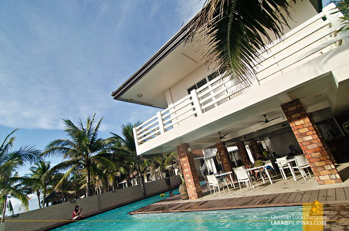 Brizo Hotel & Resort Morong Bataan Pool