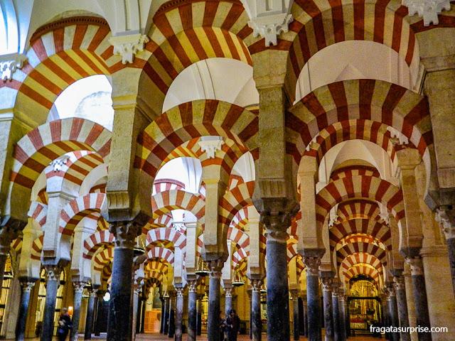 Colunas da Sala Hipóstila da Mesquita de Córdoba