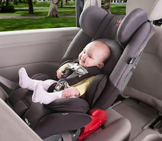 نصائح لتجعلي طفلك امن في السيارة