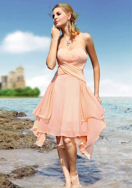 Charming A-Line Strapless Sweetheart Knee-Length Bridesmaid Dress