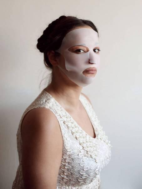 Silicon Facemask - alat kecantikan aneh yang menjanjikan cantik