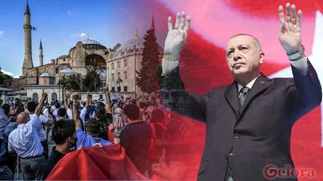 Hagia Sofia Jadi Masjid: Ketika Erdogan Menjadi Neo Ottoman