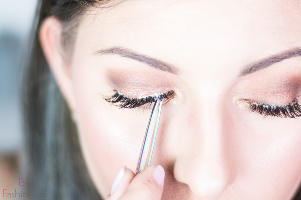 False Lashes Guide Wimper innen anbringen