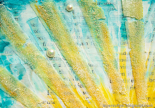 Layers of ink - Sunny Ocean and Beach Mixed Media Scene Tutorial by Anna-Karin Evaldsson.