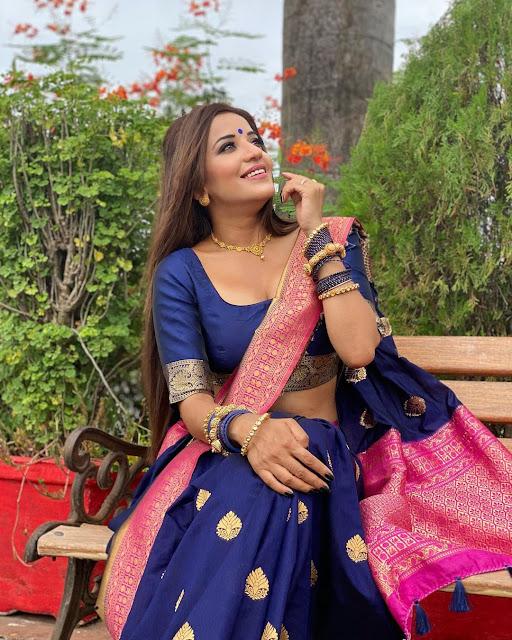 Asli monalisa hot in half saree photos Navel Queens