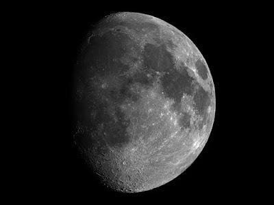 Lluna de 11,5 dies