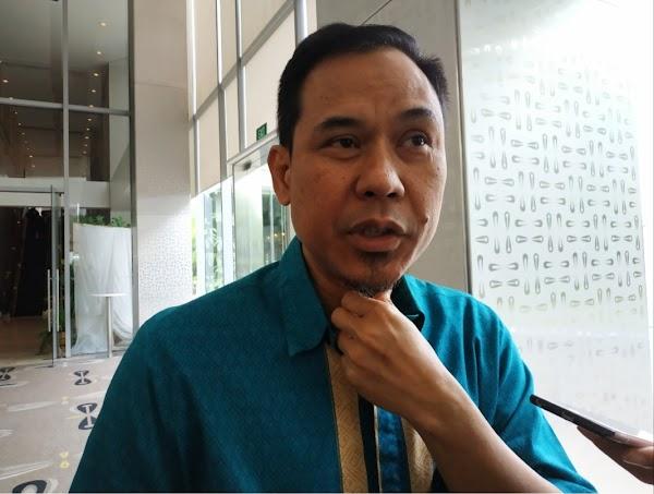 Viral Kerumunan Jokowi di NTT, Munarman Minta Perlakuan Hukum Sama Habib Rizieq