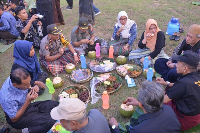 Wabup Sinjai Buka Festival BatuPake Gojeng