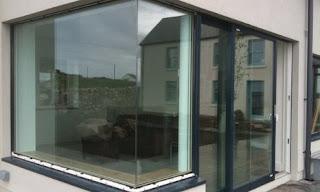 prozor na uglu