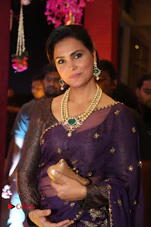 Lara Dutta Stills in Saree at Sania Mirza Sister Wedding Reception