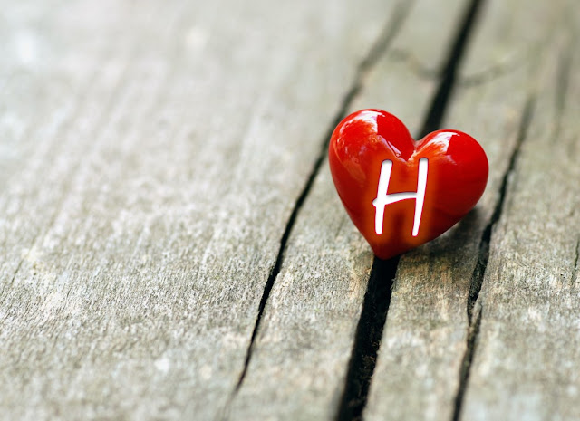 حرف h حب وحرف h بالورد