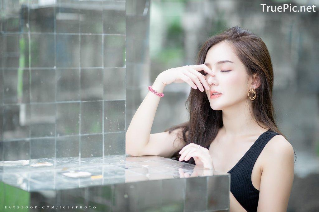 Image-Thailand-Model-Rossarin-Klinhom-Beautiful-Girl-Lost-In-The-Flower-Garden-TruePic.net- Picture-10