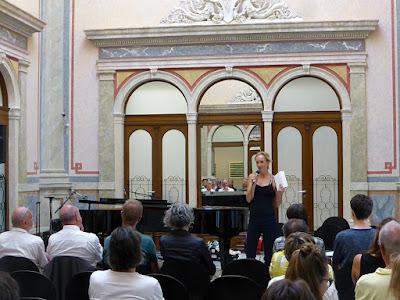 "Rosa Roedelius, Symposium ""Hingabe"", More Ohr Less 2018 / photo S. Mazars"