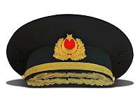 Komutan tören şapkası