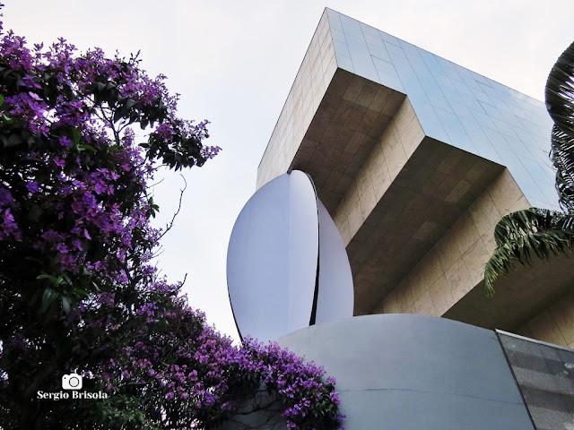 Close-up de parte do Edifício Torre Pedroso de Moraes - Complexo Aché Cultural - Pinheiros - São Paulo