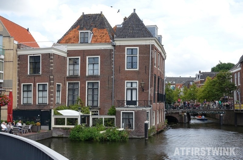 house standing in water Leiden Netherlands