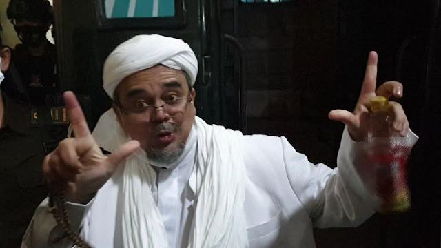 Hakim Bebaskan Habib Rizieq Cs dari Larangan Berorganisasi, Peluang FPI Baru?