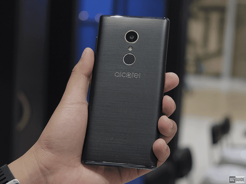 Brushed back design of the Alcatel 5