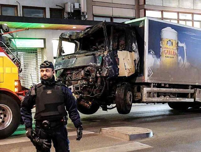 Atentado em Estocolmo. Incrível é que jihad recebba financiamentos da Igreja da Suécia.