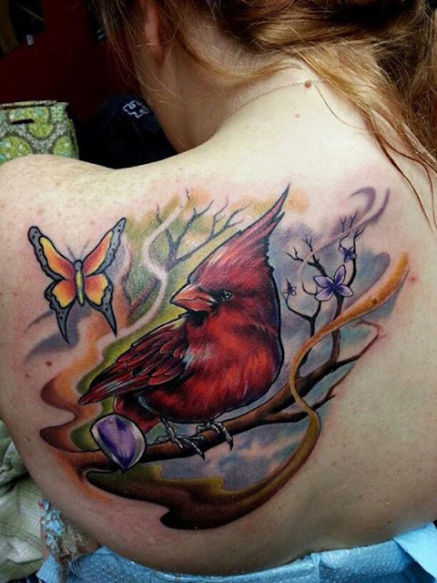 tatuajes para mujeres en la espalda 3d