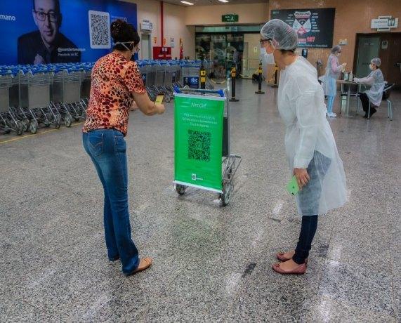 Passageiros são identificados por QRCode no Aeroporto da capital