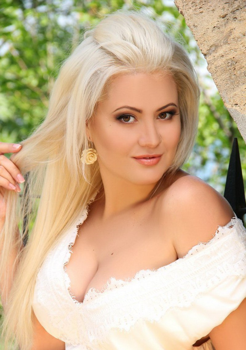 Russian Dating - Find Russian Women For A Date At
