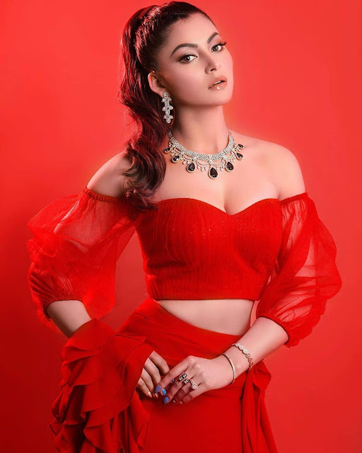 Fashionista Urvashi Rautela is one of the most stylish Bollywood actress.   IMAGES, GIF, ANIMATED GIF, WALLPAPER, STICKER FOR WHATSAPP & FACEBOOK