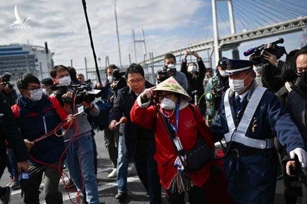NÓNG: Hai hành khách trên du thuyền Nhật tử vong vì corona
