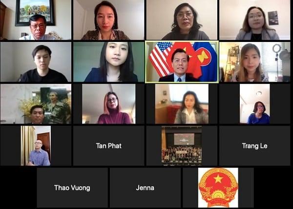 Gần 1.000 công dân, du học sinh Việt Nam tại Mỹ đăng ký máy bay về nước