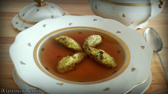 Consommé polievka