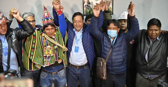 Vuelve la democracia a #Bolivia. Luis Arce, del MAS gana y la autoproclamada Jeanine Áñez deja mensaje