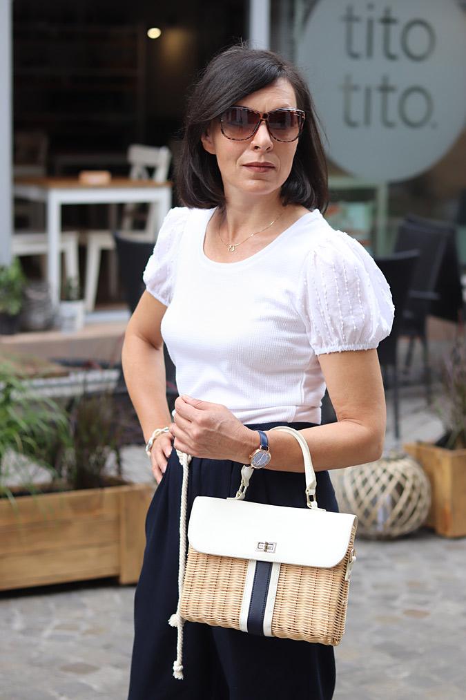 biała bluzka z bufkami