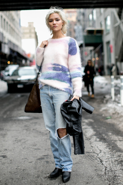 Street Style: Charlotte Carey's Pastel Sweater