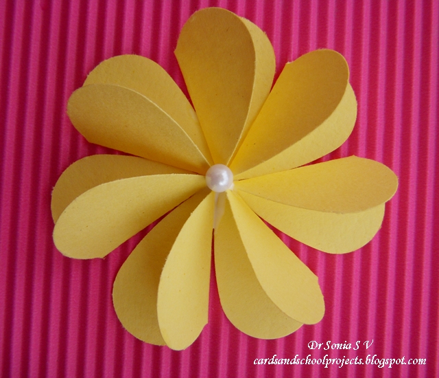 How to make a 3d flower out of construction paper romeondinez how to make a 3d flower out of construction paper mightylinksfo