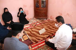Kebersamaan yang Kuat, Bupati Suardi Saleh dan Jajaran Pemda Melayat Di Makassar