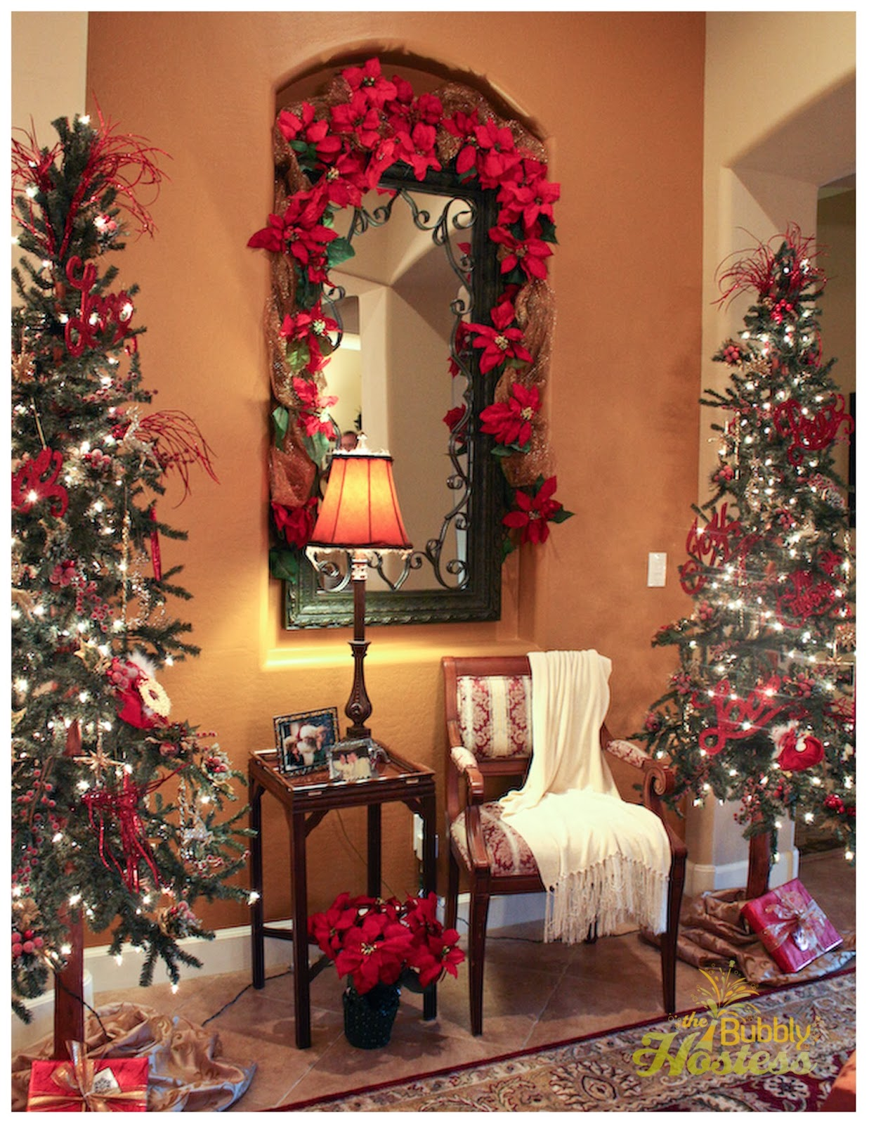 The Bubbly Hostess: Foyer Christmas Decorations