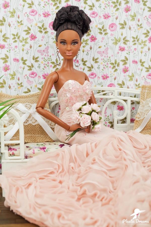 barbie the look night out en robe rose