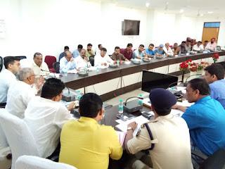 सड़क सुरक्षा समिति की बैठक में दुर्घटनाओं को रोकने पर की गई चर्चा