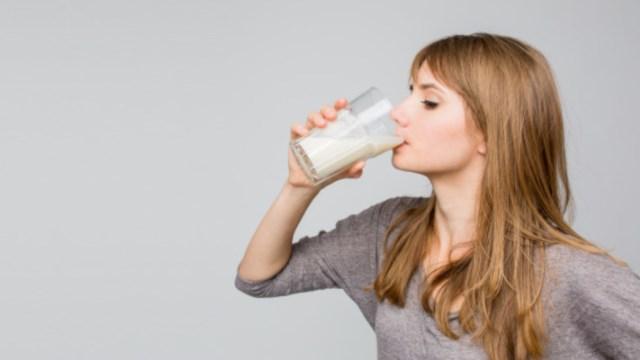manfaat minum susu sebelum tidur