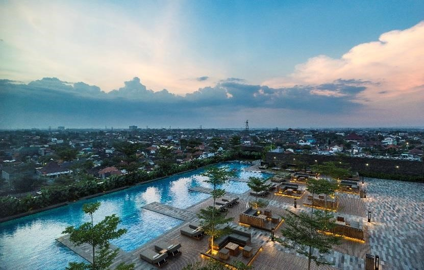 Alila Solo Gelar Summer Sunsetion Party di Largo Pool
