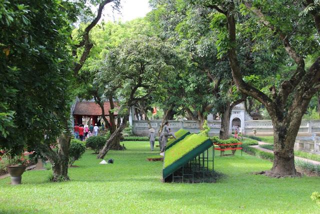 Literatur Pagode Hanoi, Park