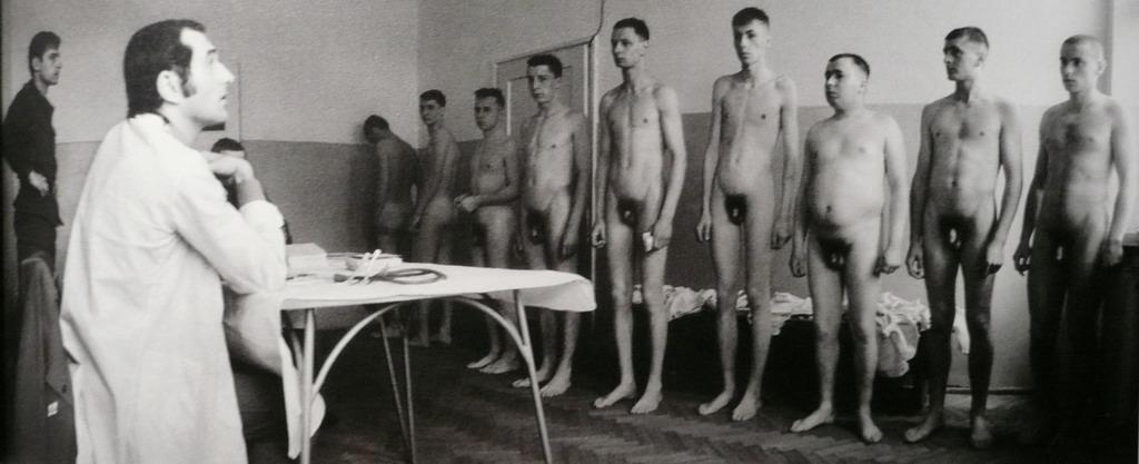 затронула медосмотр немецких женщин поначалу