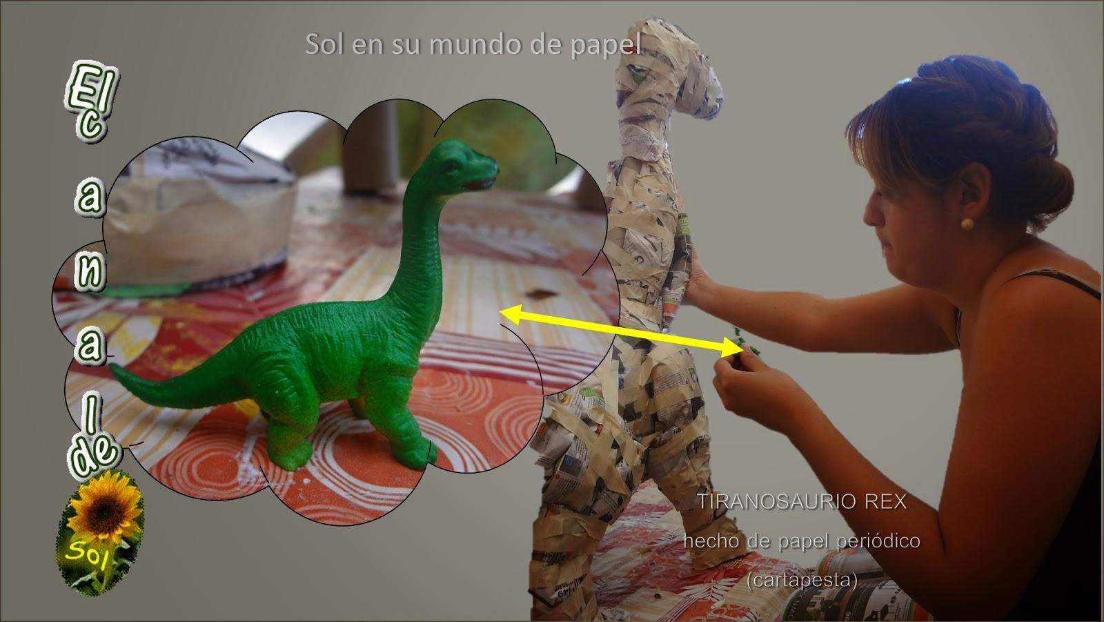 Tiranosaurio Rex Hecho De Papel Periódico Cartapesta