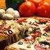 Έτσι γίνονται οι πίτσες αν μείνουν 2 εβδομάδες εκτός ψυγείου